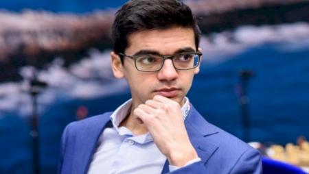 Niderland şahmatçısı Teymur Rəcəbovu qəhrəman adlandırdı
